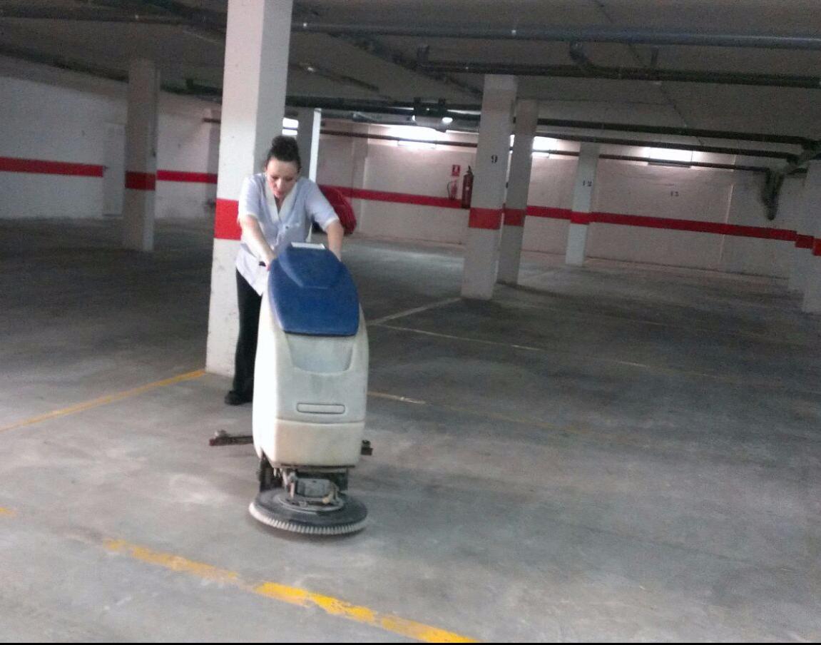limpieza de garajes, limpiezahv, ljmpieza, servicios de limpieza Murcia, San Javier, profesionales de limpieza, equipos de limpieza